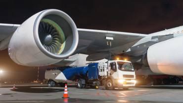 Estudian un nuevo combustible de aviación a base de aceite de oliva